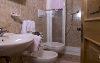 App. 4 - Hotel Italia - bagno